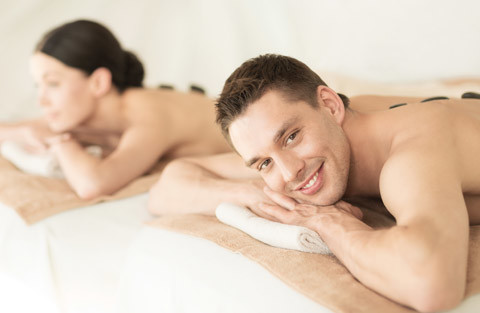 Couple's-Hot-Stone-Body-Massage